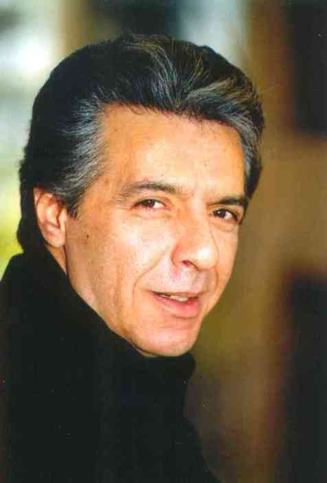 فرامرز اصلانی، عکس از: نوید سهیلیان، بهار 2000، منبع عکس: وبسایت فرامرز اصلانی