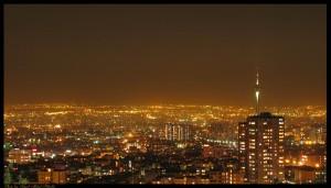 شب تهران. برای دیدن عکس در اندازه بزرگ و مناسب background-Wide روی آن کلیک کنید.